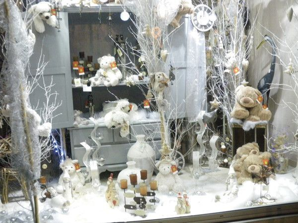 decoration de vitrine a brevin