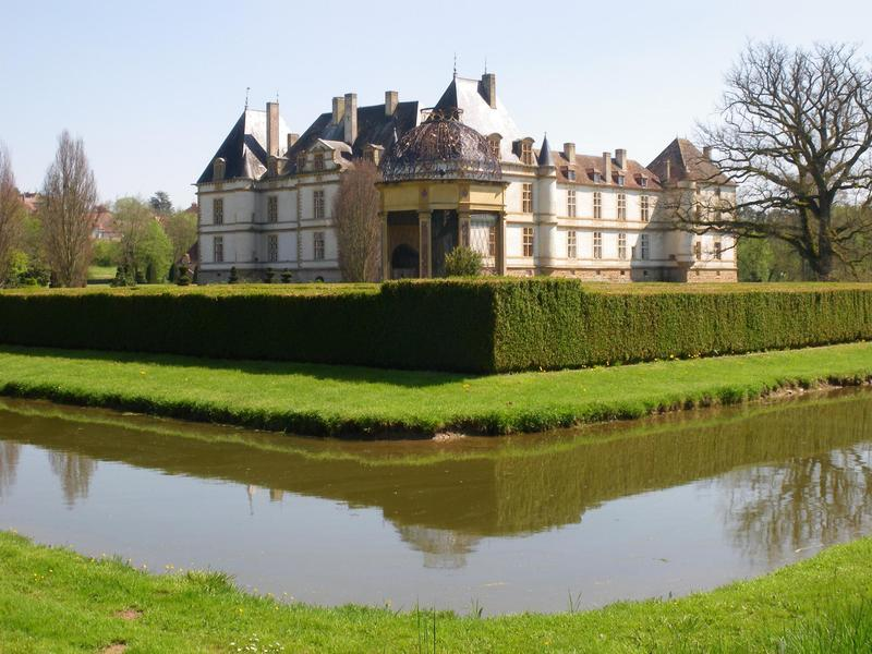Chateau-de-Cormatin-Cluny.jpg