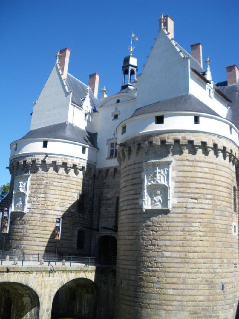 Chateau-des-Ducs-de-Bretagne-Nantes.jpg