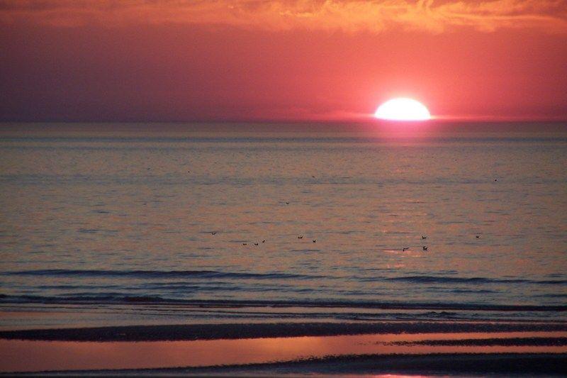 Fond d 39 ecran coucher de soleil - Fond ecran coucher de soleil sur la mer ...