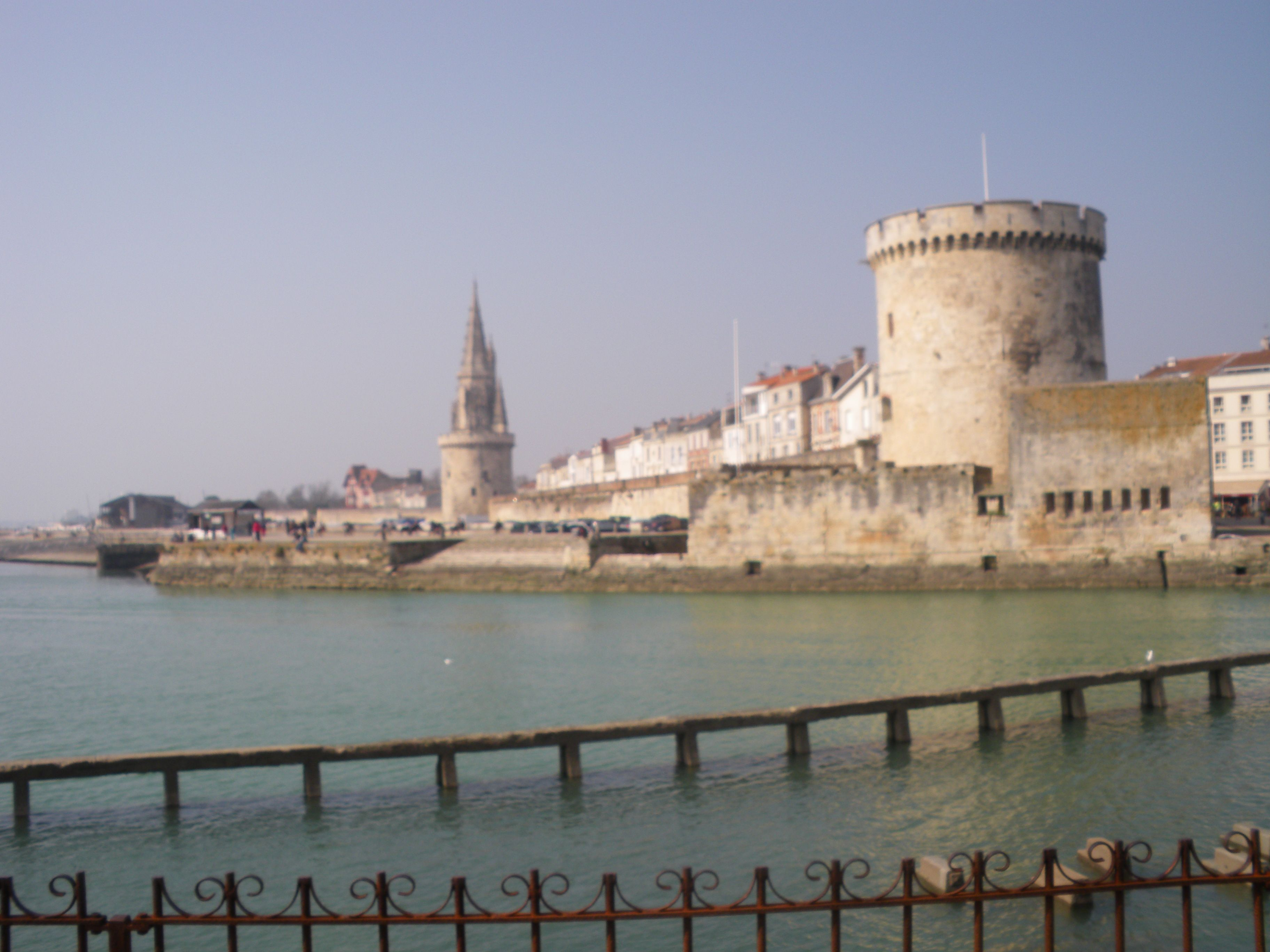 la rochelle en charente maritime. Black Bedroom Furniture Sets. Home Design Ideas