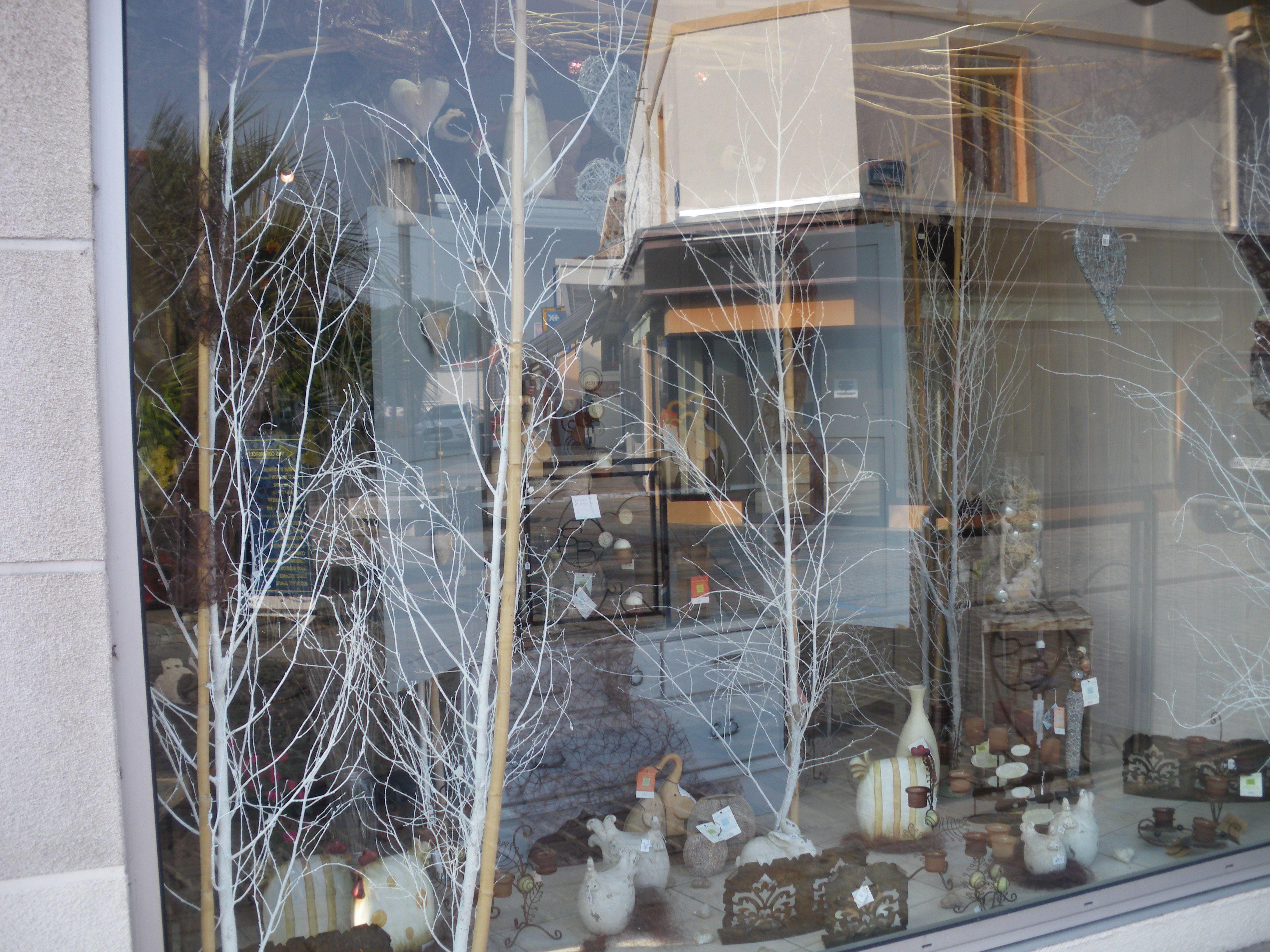 Pics photos peinture vitrine noel paque st valentin - Deco vitrine st valentin ...